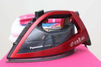Bàn ủi hơi nước Panasonic PABU NI WT980RRA 2800W