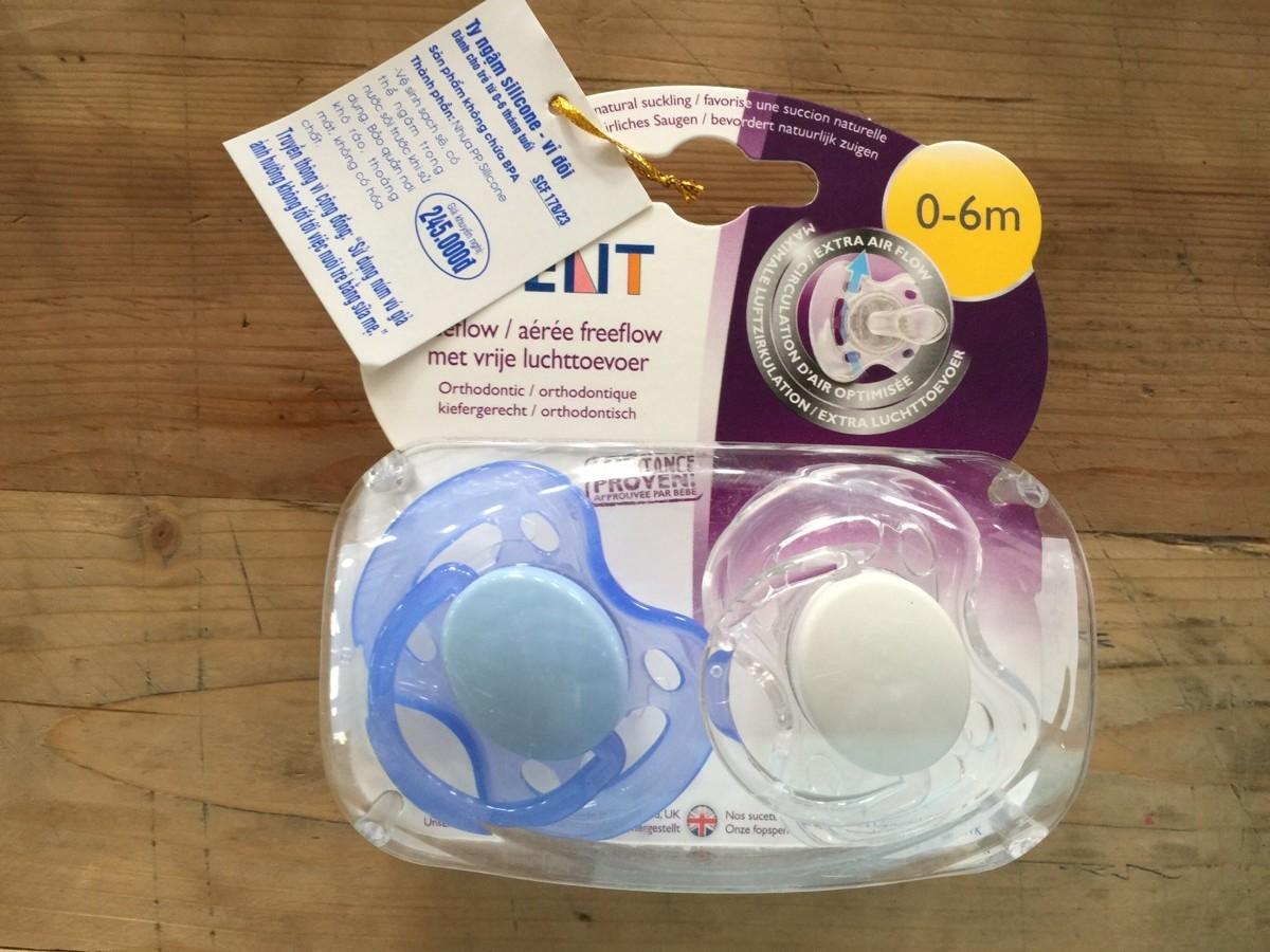 Ty ngậm Silicone cho bé từ 0-6 tháng tuổi (vỉ đôi)