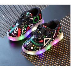 Giày trẻ em bata sắc màu có đèn SC025