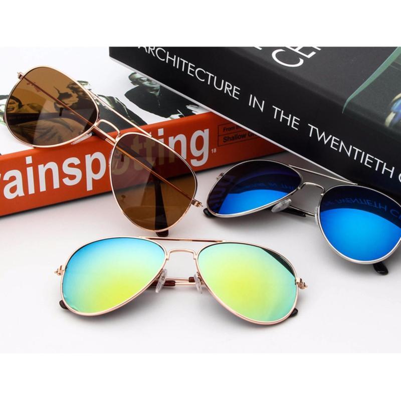 Giá bán Kính mát thời trang chống tia UV cho bé trai và gái + Tặng bao da cao cấp F171 (Xanh)