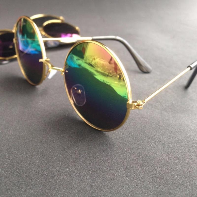 Giá bán Mắt kính tráng gương kiểu thầy bói nhiều màu
