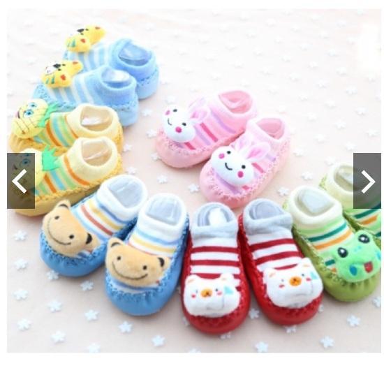 Hình ảnh Giày tất len tập đi đính thú cho bé 4-7 tháng