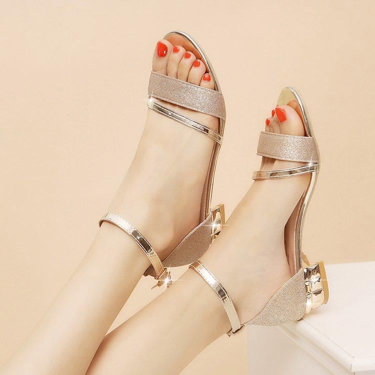 435091c0fcb Summer Semi-high Heeled Sandals 2019 Summer New Style Fashion Rome  Straight-line Buckle