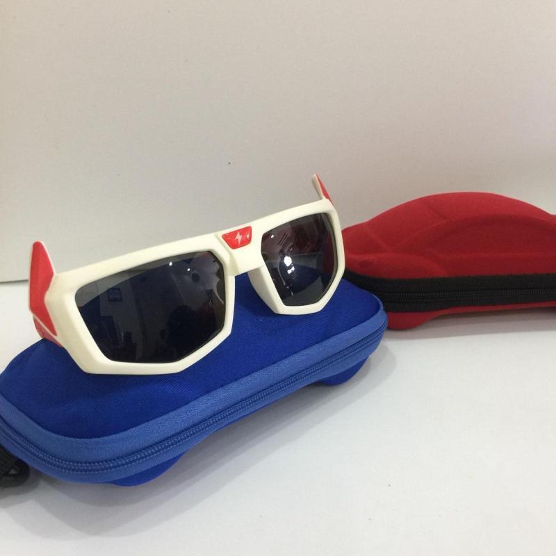 Mua [SIÊU ĐÁNG YÊU] Bộ kính mắt dành cho trẻ em với mắt kính chống lóa và Tia UV bảo vệ mắt hình thù cute G151-07 + Tặng kèm hộp đựng hình ô tô