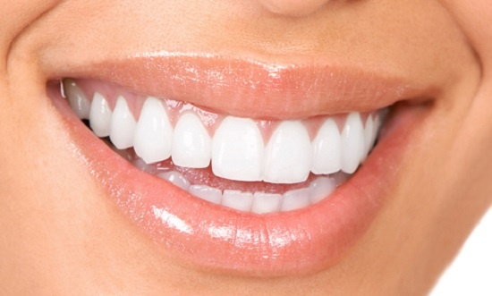 Hàm răng mái tóc là vóc con người