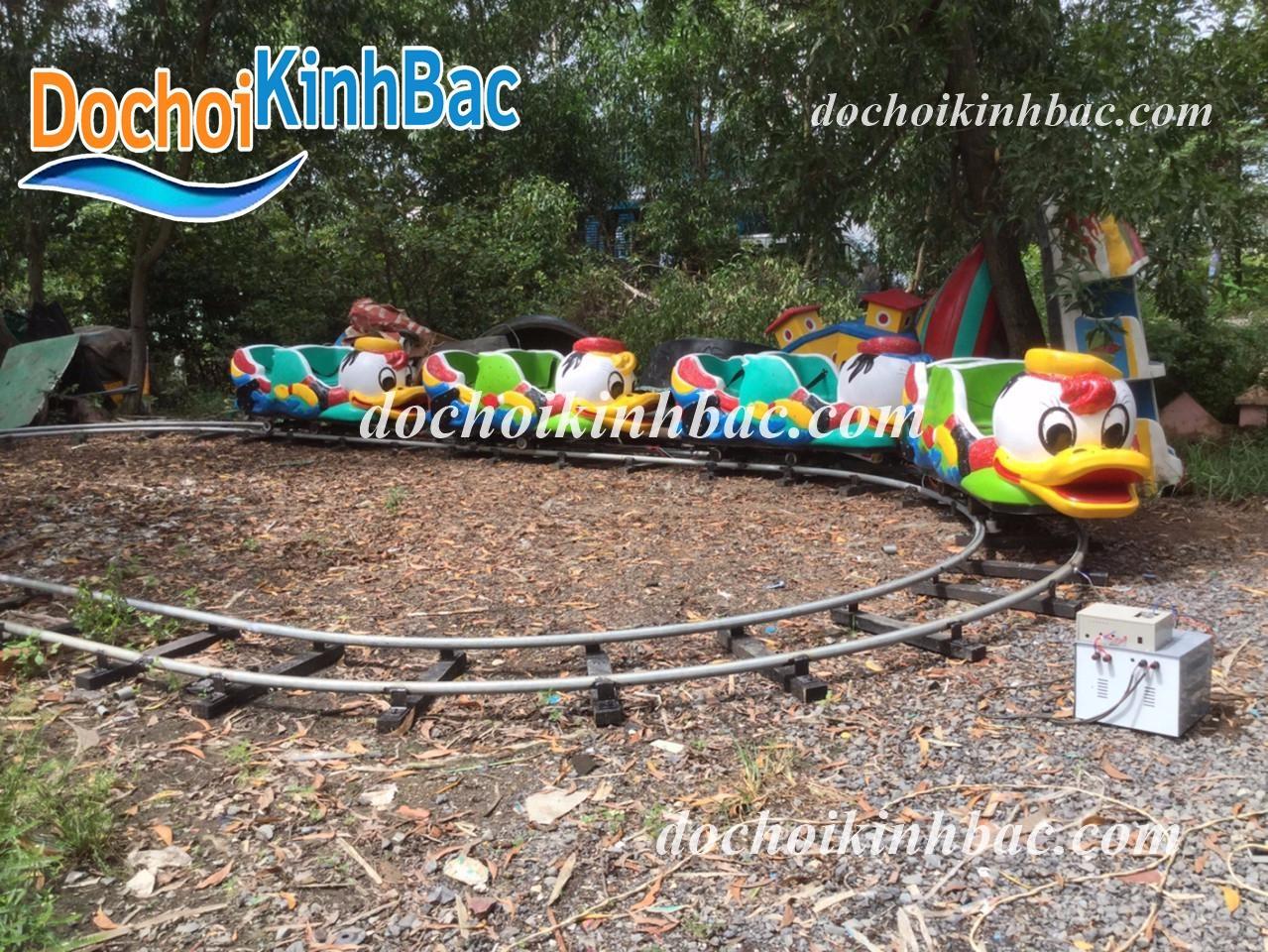 Hình ảnh Tàu điện - xe lửa hình chú vịt Donald