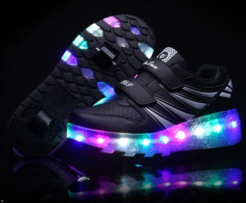 Coupon tại Lazada cho Giầy D-Bulun / Giày Heelys Cho Bé Trai Và Bé Gái đa Chức Năng LED Kèm Bánh Xe Trươt
