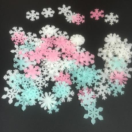 50 Bông tuyết dạ quang - 25.000đ