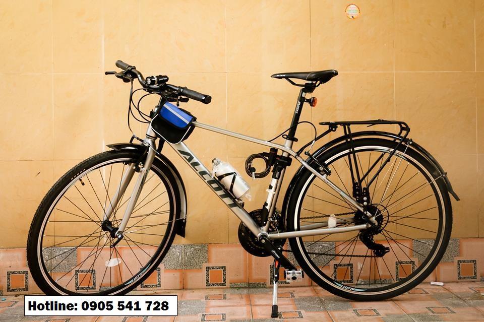 Xe đạp  touring Alcott 700