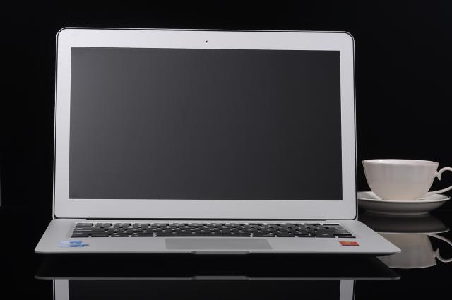 Hình ảnh LAPTOP ENZ C16X CHIP INTEL CORE I7-7500U RAM 8GB Ổ 256SSD 13.3INCH
