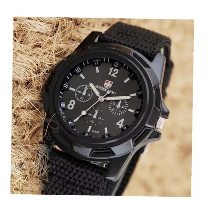 Hình ảnh đồng hồ kiểu dáng quân đội (đen)