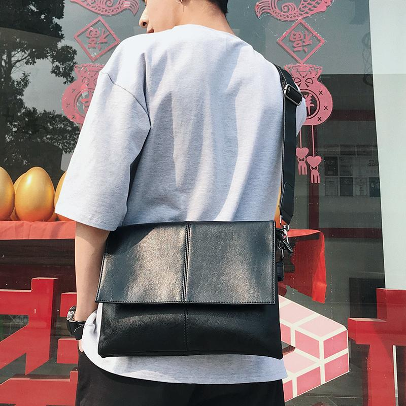 Originality Shoulder Bag Men Small Lether Bag iPad Small Backpack Fashion Leisure Mens Bag Soft Small Bag Fashion Over-the-shoulder Bag