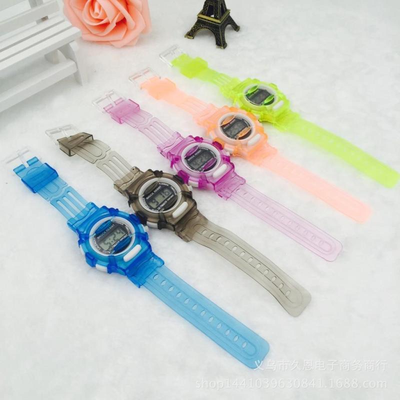 Nơi bán Đồng hồ trẻ em thời trang màu sắc