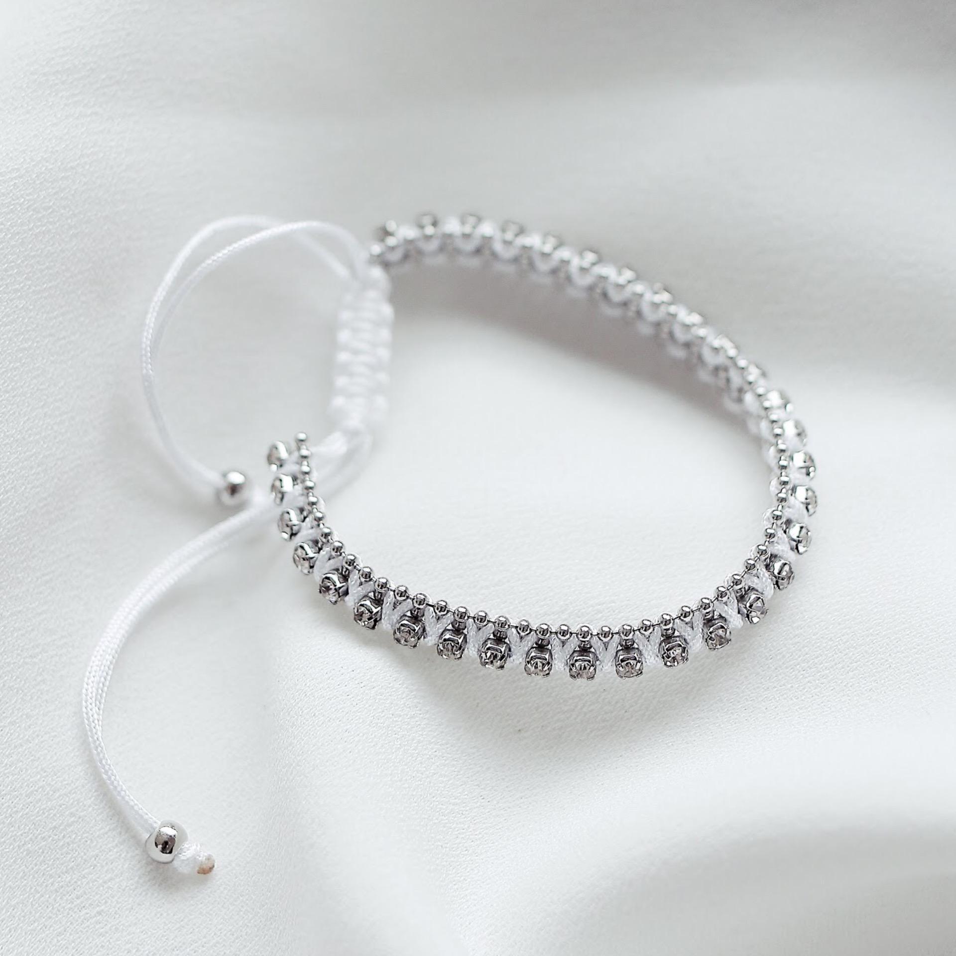 Bán Jin White Bracelets