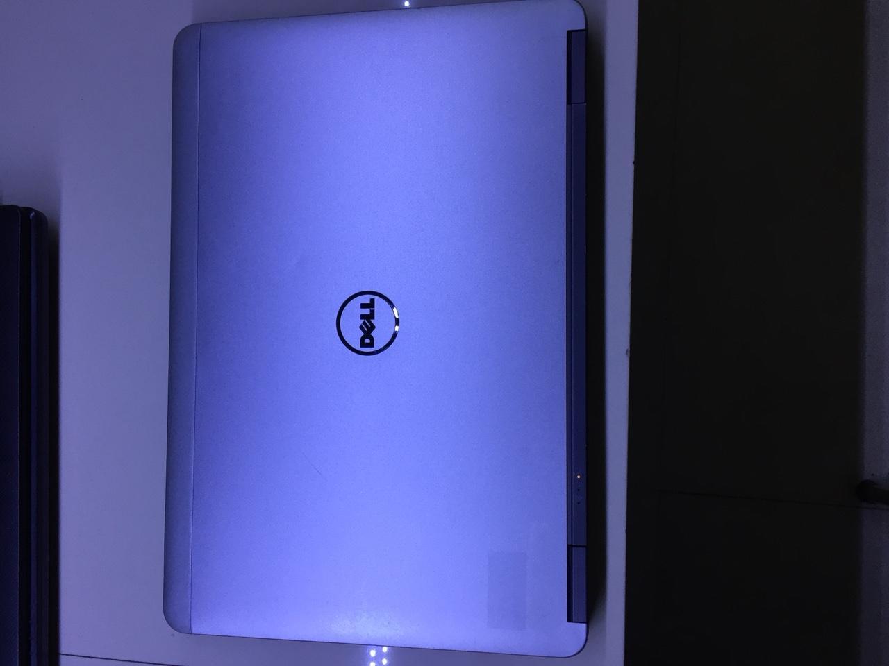 Hình ảnh Laptop Dell Latitude E7240 Core i5 4300U, RAM 4GB, SSD 128GB, Intel HD Graphics 4400, Màn hình 12.5