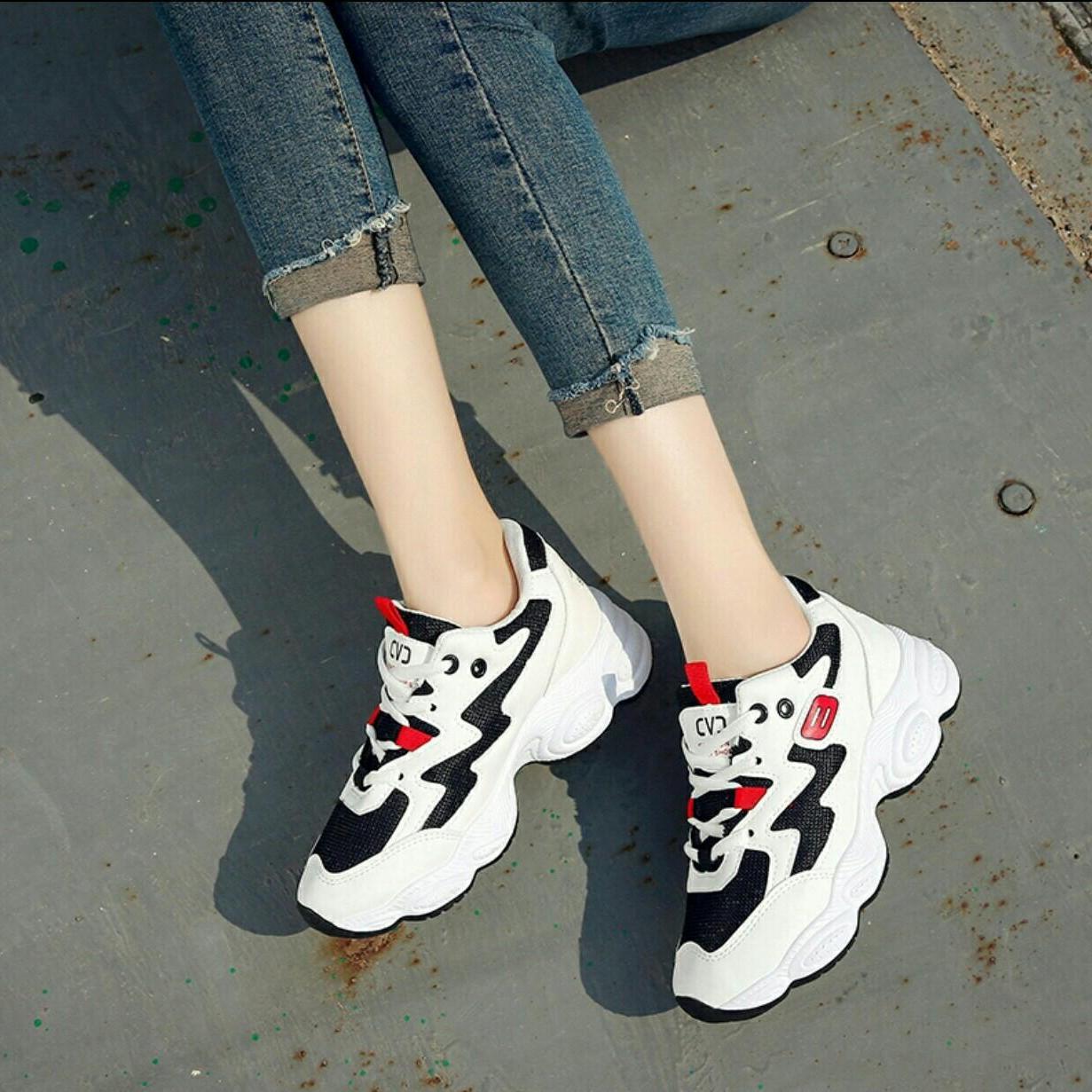 Hình ảnh Giày thể sneaker nữ cá tính (Trắng hồng, đen trắng, trắng đen)