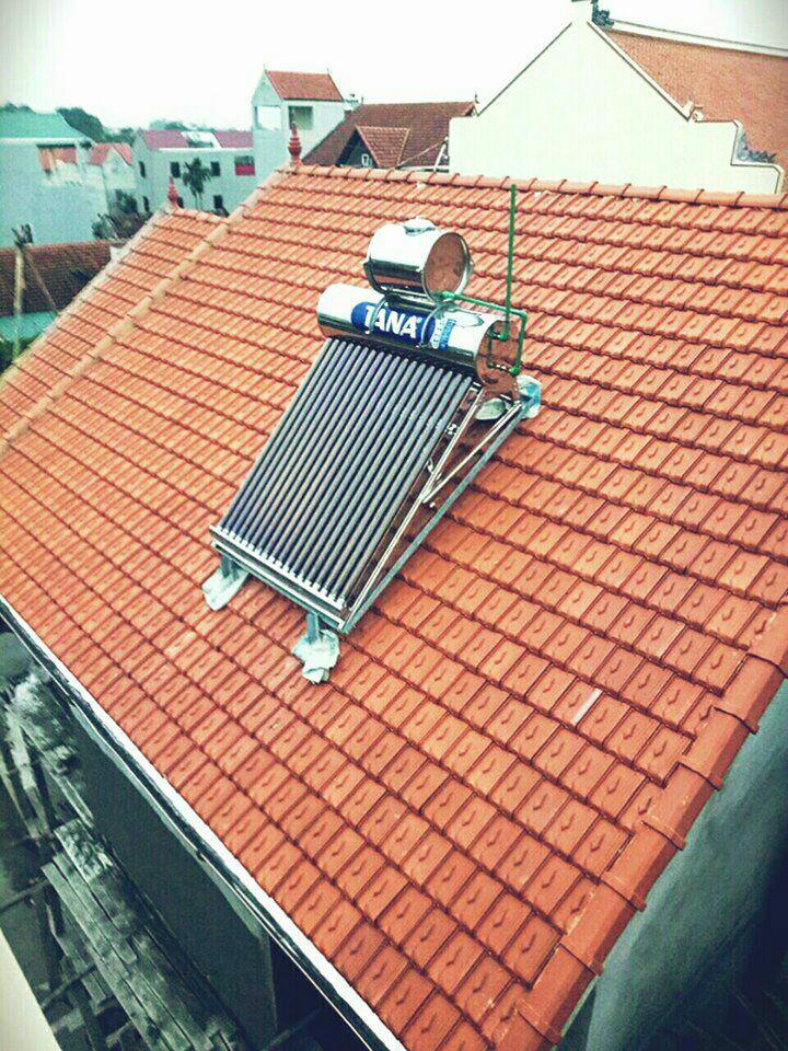 Hình ảnh Máy nước nóng năng lượng mặt trời Tân Á Gold 180 Lít