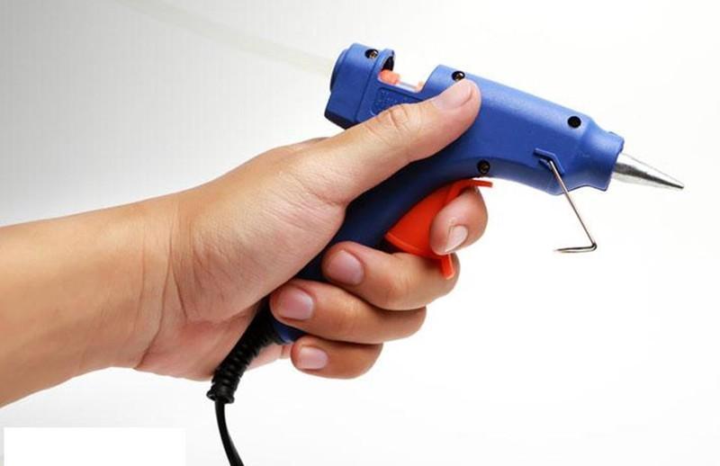 Sung bắn keo tặng 15 keo nến silicon dài 25cm
