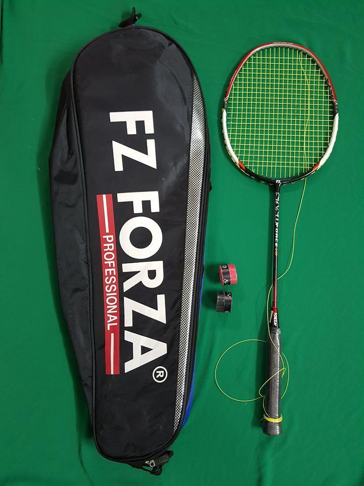 Hình ảnh vợt cầu lông FORZA ( thi đấu chuyên nghiệp ) 1 vợt + túi to + quấn cán chống trơn + 1 lần đan cước