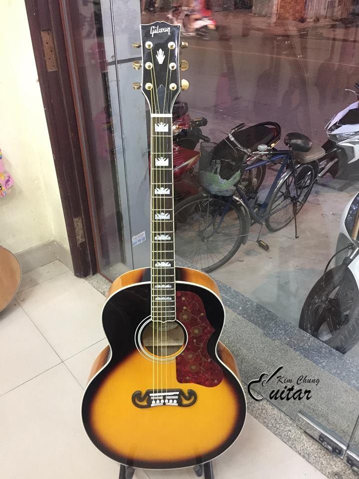 Đàn guitar acoustic Gibson J-200