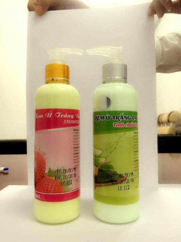 Kem ủ trắng da toàn thân STRAWBERRY TOPCARE - Màu Xanh (Hương Lô Hội)