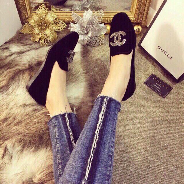 Giày bệt nhung tag channel