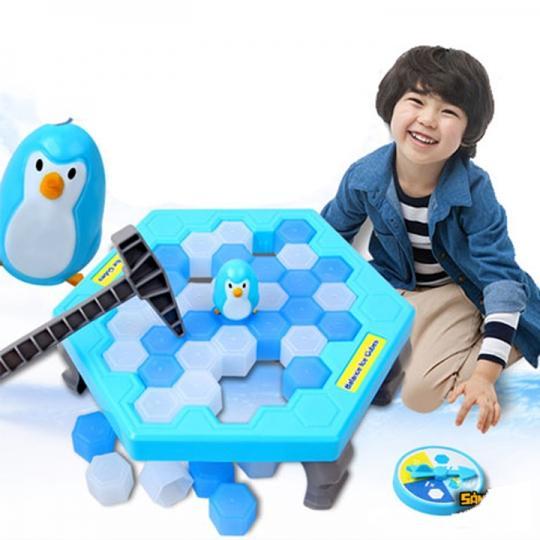 Hình ảnh Bộ Trò chơi Phá Băng Bẫy Chim Cánh Cụt Cho Bé Yêu Phát Triển Tư Duy