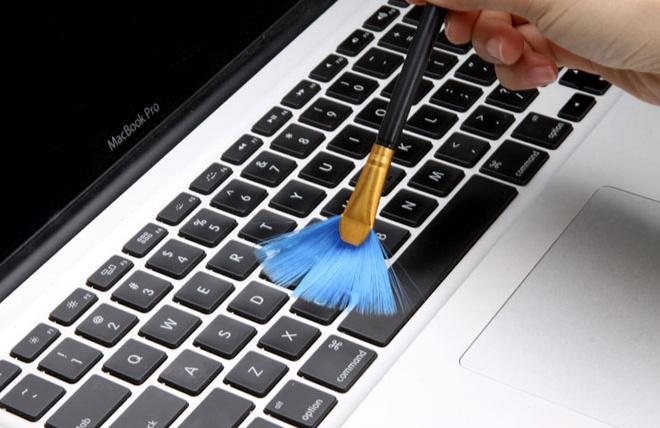 Bộ Vệ Sinh Laptop, Điện Thoại, Ipad 4 Món Tiện Lợi