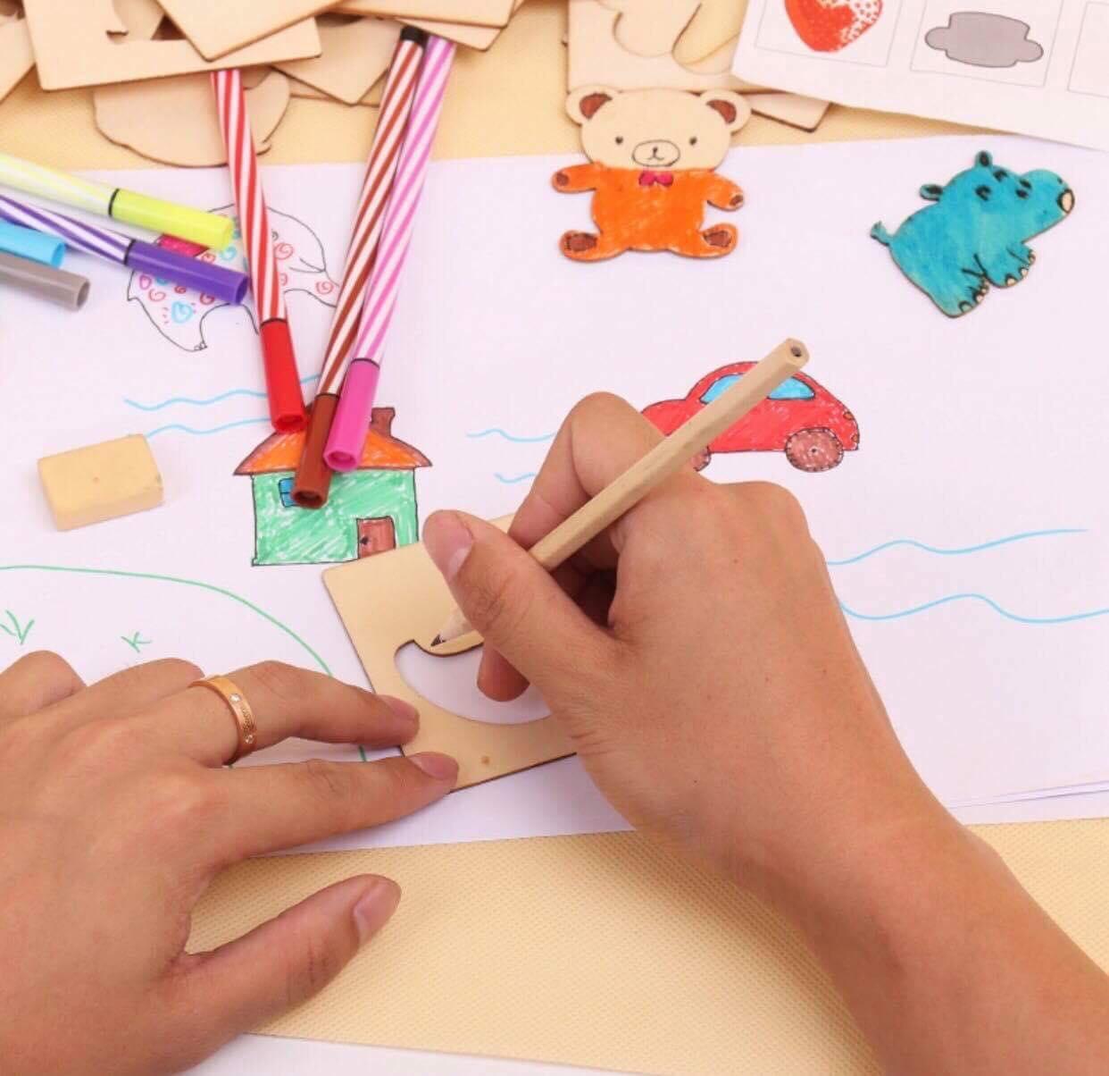 Hình ảnh Bộ khung gỗ tập vẽ an toàn cho bé yêu