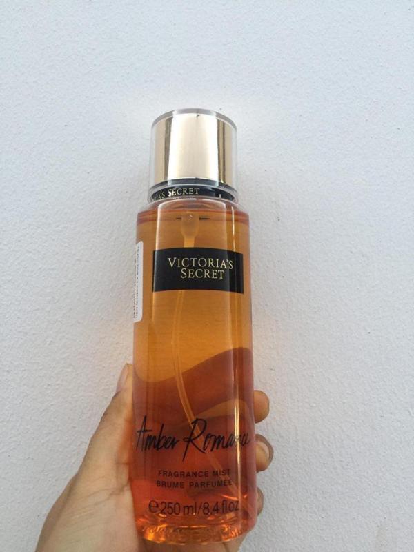 Xịt Toàn Thân Victorias Secret Amber Romance 250ml