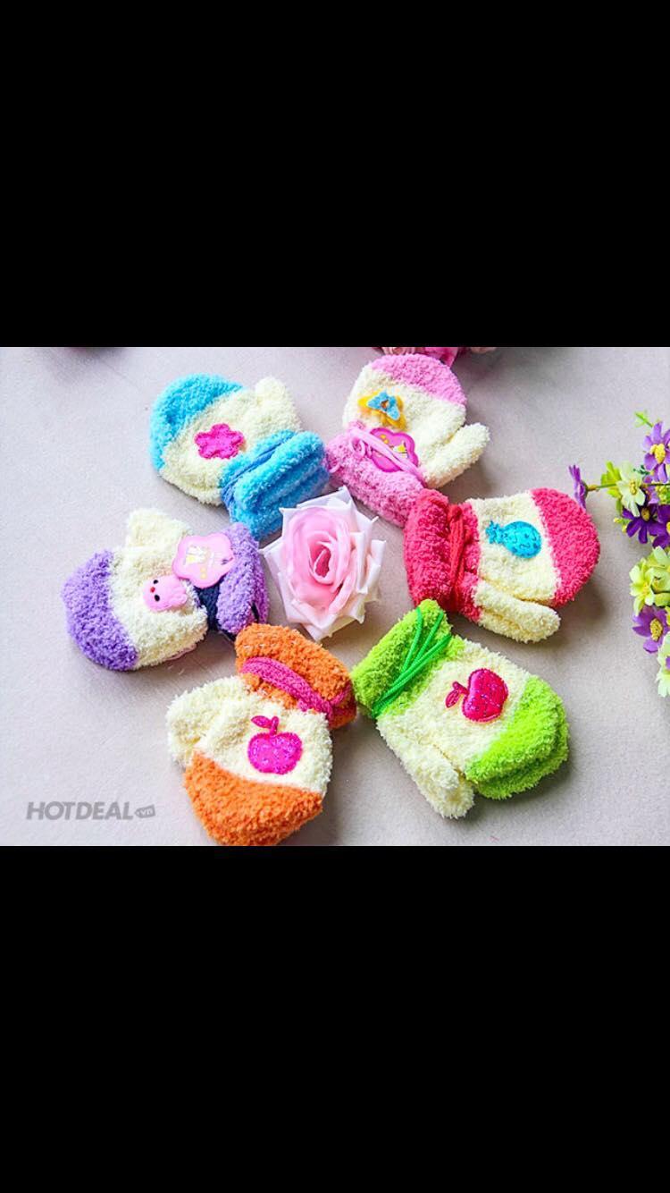 Hình ảnh Găng tay len bé gái nhiều màu[giao màu ngẫu nhiên) có nhiều hình khác nhau