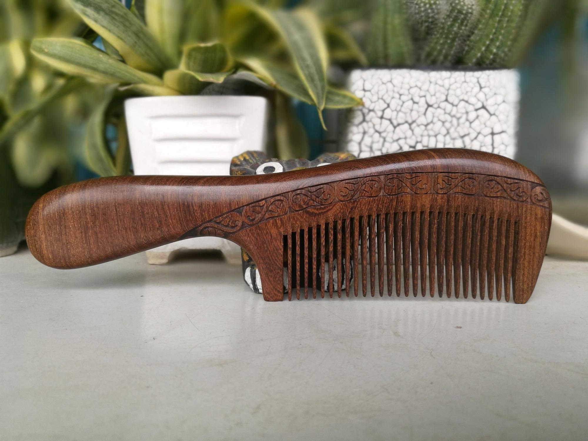 Lược gỗ đàn hương trạm khắc thủ công hai mặt 1803 thatchatstore