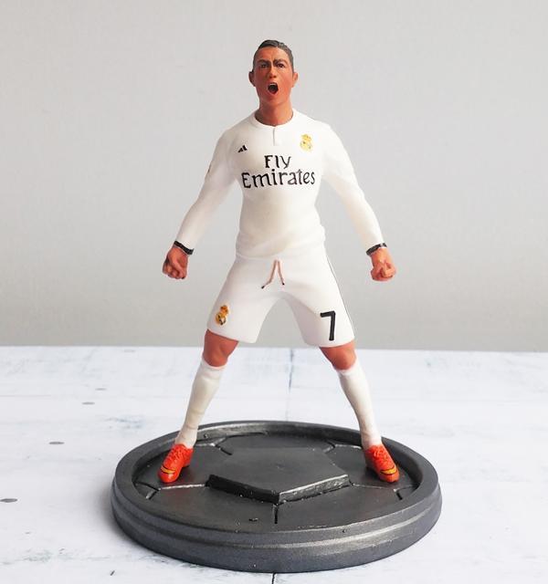 Hình ảnh Tượng cầu thủ bóng đá Cristiano Ronaldo có đế