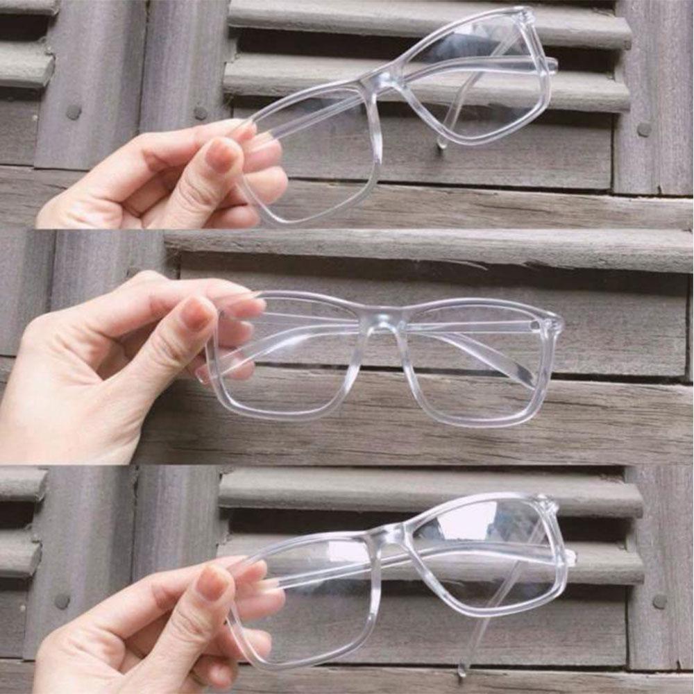 Hình ảnh Mắt kính gọng nhựa trong suốt siêu xinh