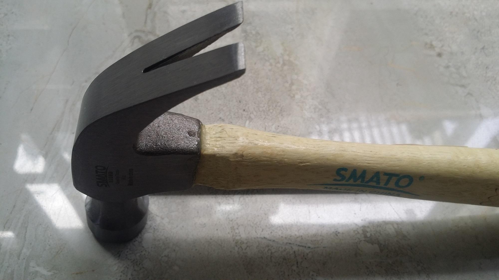 Búa nhổ đinh cán gỗ Smato 8OZ 226g Hàn Quốc.