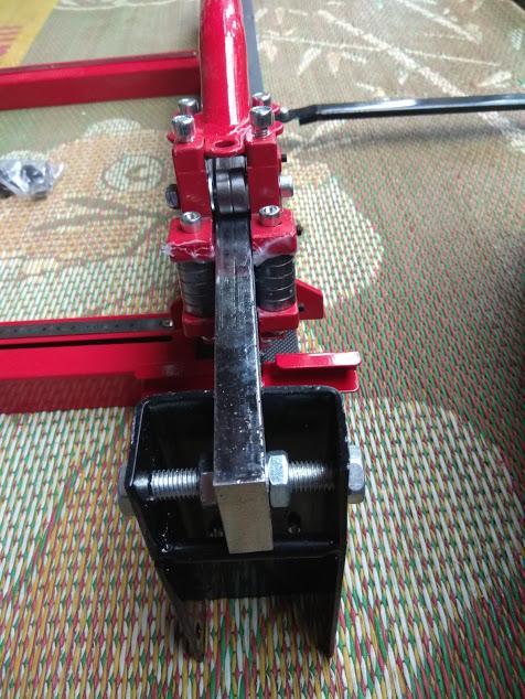 Máy cắt gạch siêu cứng bàn đẩy ud 2288 Thái lan