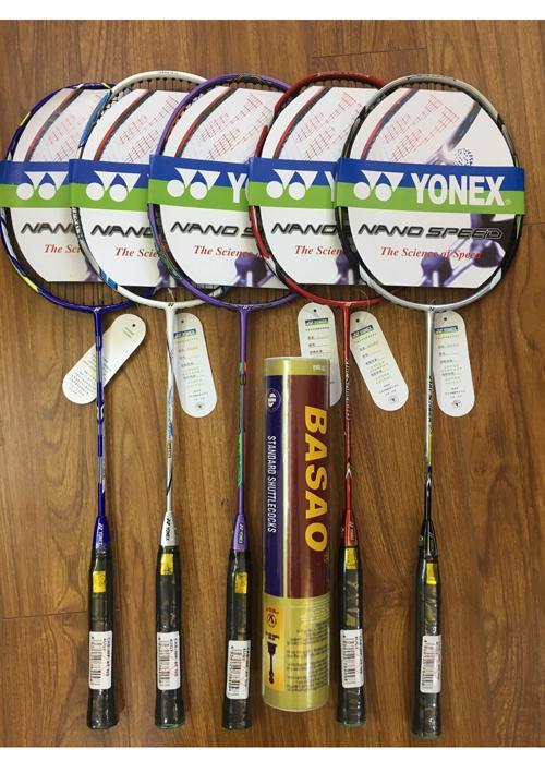 Hình ảnh Bộ 2 Vợt cầu lông Yonex tập luyện khuyến mãi hộp cầu basao 10 quả