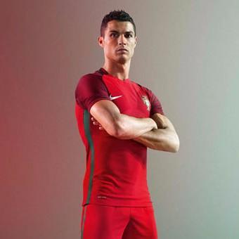 Bộ quần áo bóng đá Bồ Đào Nha