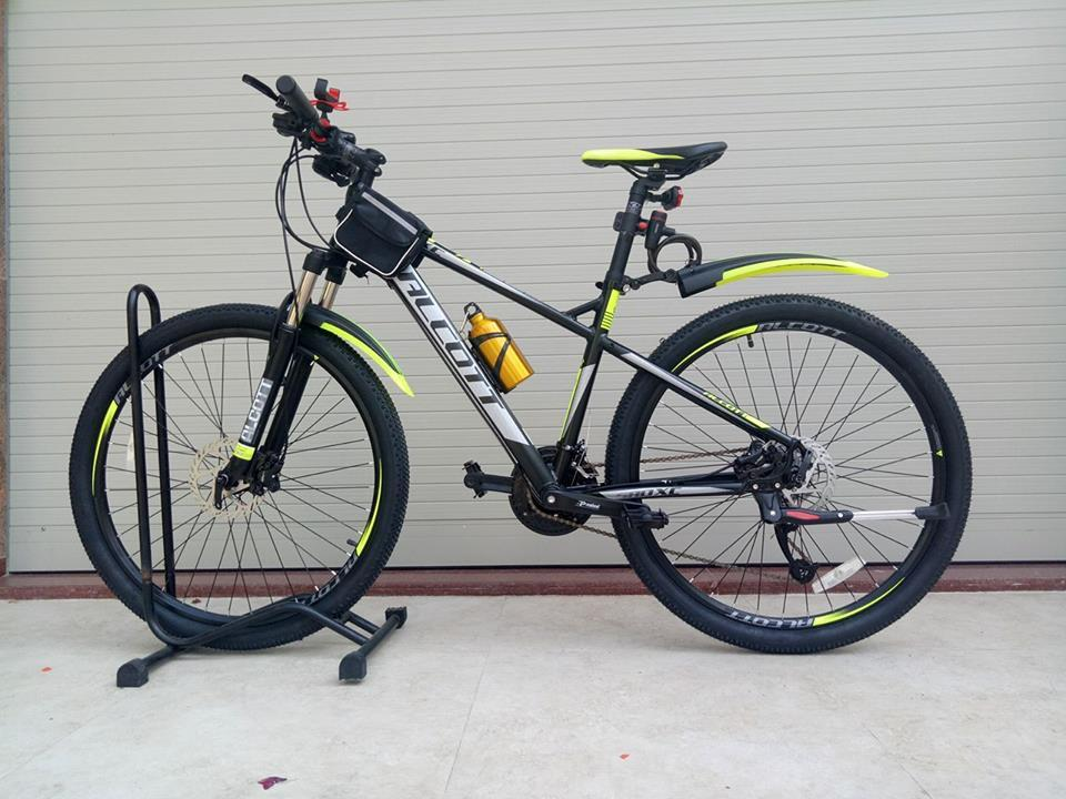 Xe đạp thể thao ALCOTT 580XC màu xanh chuối
