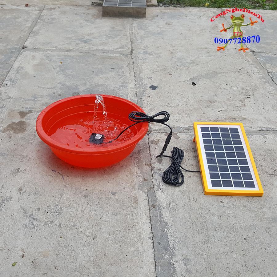 Hình ảnh Bộ máy bơm nước năng lượng mặt trời mini