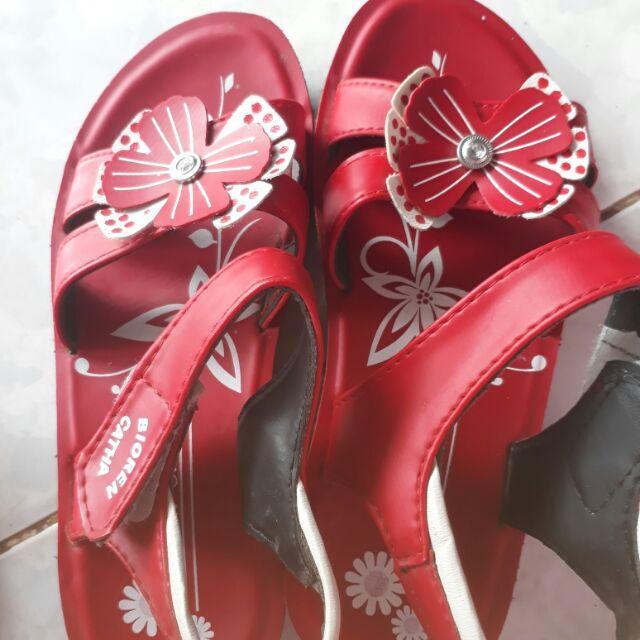 Giá bán Giày sandal học sinh nữ