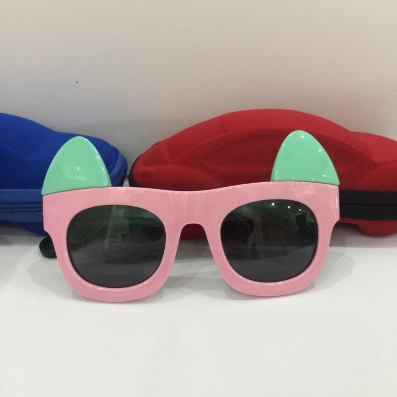 Giá bán [ MUA NGAY] Kính mắt cho bé hình thỏ hồng xinh xắn, chống chói, chống UV, an toàn cho đôi mắt G155-42 + Tặng hộp đựng cá tính