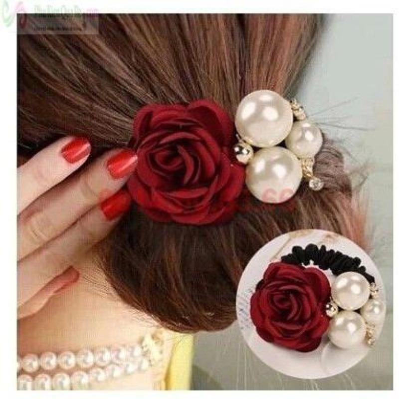 Buộc tóc hoa hồng ngọc trai