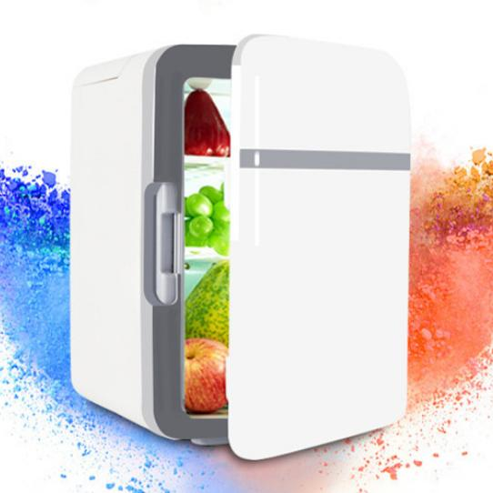 Hình ảnh Tủ Lạnh Mini Trên Xe Hơi Và Gia Đình 10L