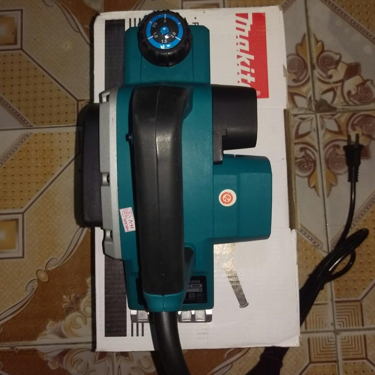máy bào makita kp0800 tiện dụng