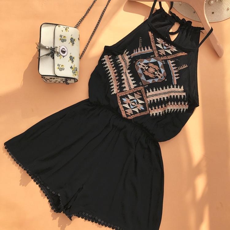 Merek Trendi Thailand Liburan Elegan Membentuk Tubuh Highwaist Strapless Gantung Di Leher Bordir Jumpsuit Celana Pendek Wanita By Koleksi Taobao.