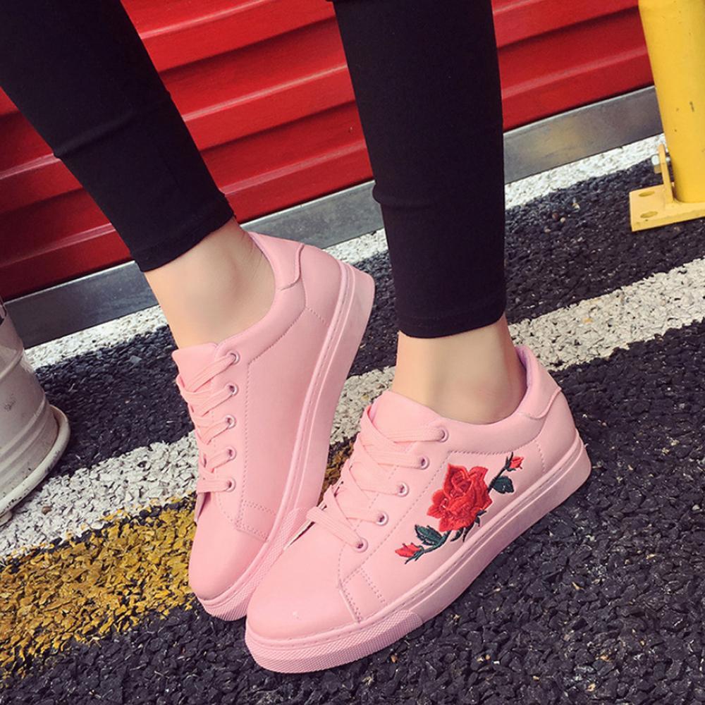 Hình ảnh Giày Da Thêu Hoa Nữ