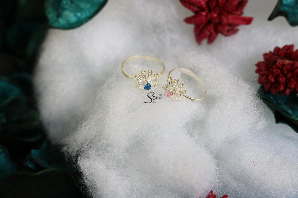 Hình ảnh Nhẫn hoa 4 cánh đá cho bé S990 cao cấp