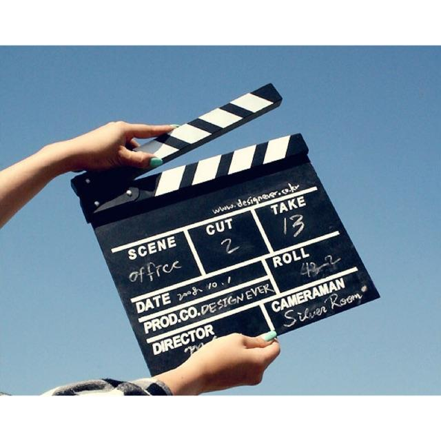 Hình ảnh Bảng Đạo Diễn (Clapper Board) Trang Trí Phong Cách Retro