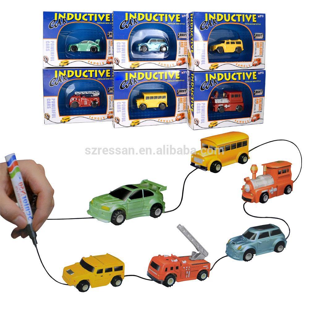 Hình ảnh Đồ chơi ô tô chạy theo nét vẽ cao cấp cực thú vị